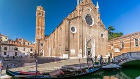 Dei Frari van basiliekdi Santa Maria Gloriosa timelapse Venetië, Italië stock videobeelden