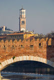 Dei Lamberti моста и Torre Castelvecchio Стоковая Фотография RF