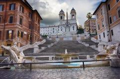 Dei Monti Scalinata di Trinita oder die spanischen Schritte, die Kirche des dei Monti Santissima Trinita und das Fontana-della Ba stockfotos