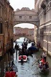 Dei Sospiri Ponte в Венеции - Италии Стоковые Изображения