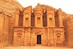Deir修道院在古城Petra 免版税图库摄影
