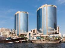 Deira Rolex bliźniacze wieże i dhows, Dubaj zatoczka Fotografia Stock