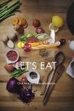 Deixa para comer o jantar que come jantando o conceito da nutrição do alimento Imagens de Stock