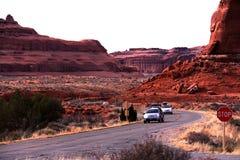 Deixe s ir acampar no parque nacional dos arcos imagens de stock royalty free