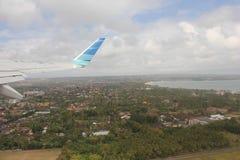 Dejar Bali, vista de la isla del aeroplano Fotos de archivo