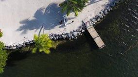 Dejar la costa de la isla almacen de video