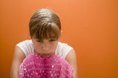 Dejected. Photo of Maggie in a pink cast Stock Images