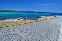Dek bij mooie tropische baai Royalty-vrije Stock Foto's