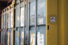 Dekadent behållarevästkusten Hong Kong för rost arkivfoto