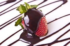 Dekadenter Erdbeere-Schokoladen-Nachtisch Lizenzfreie Stockfotos