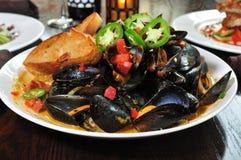 dekatyzujący pucharów mussels Obraz Royalty Free