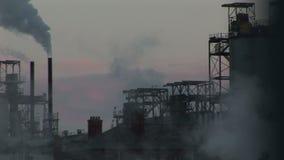 Dekatyzuje iść w atmosfera przemysł ciężkiego i dymi zdjęcie wideo