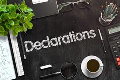 Deklaracje - tekst na Czarnym Chalkboard świadczenia 3 d Zdjęcia Stock