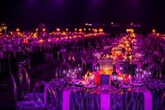 Dekor för ett stor parti eller galamiddag royaltyfri foto