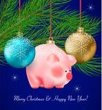 Dekor för vinterferie Ställ in av genomskinlig jul blått, och guld- struntsaker och den gulliga piggy leksaken på band sörjer på  royaltyfri illustrationer