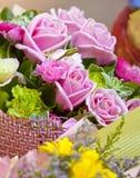 dekoraci prezenta róże Zdjęcie Stock
