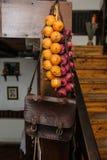 Dekoraci rzemiennej torby rocznika cebulkowy wieśniak stary Obraz Stock