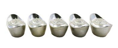 Dekoracja chińczyka srebra ingots odizolowywający na białym tle Fotografia Royalty Free