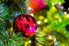 Dekoracja na święto bożęgo narodzenia z czerwoną piłką Obraz Stock