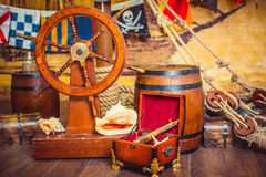 Dekoracja pokój w pirata stylu z sterem, Zdjęcie Stock