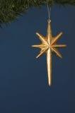 dekoracji świątecznej złota gwiazda Zdjęcia Royalty Free