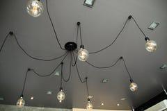 Dekoracyjna żarówka w kawiarni Pomysł dla sklepowej dekoraci Zdjęcia Royalty Free