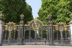 Dekoracyjna Kanada brama Zielony Parkowy pobliski buckingham palace, Londyn, Zjednoczone Królestwo Obraz Stock