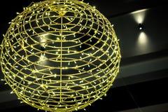 Dekoracyjna piłka meandrująca z bożonarodzeniowe światła Obraz Stock