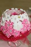 Dekoracyjna waza dekorująca z kwiatami Zdjęcie Stock