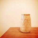 Dekoracyjna waza na stole Fotografia Royalty Free