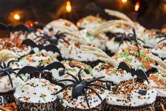 Dekoracyjne Halloweenowe o temacie babeczki Fotografia Royalty Free