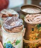 dekoracyjne metal puszki dla wnętrza, herbata, projekt Fotografia Stock
