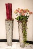 Dekoracyjne wysokie wazy Zdjęcia Royalty Free