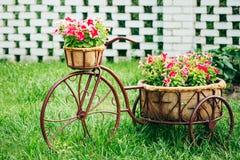 Dekoracyjnego rocznika modela Stary bicykl Wyposażający Zdjęcie Royalty Free