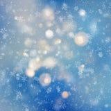 Dekoracyjnego szablonu Bożenarodzeniowy tło z śniegu i bokeh światłami Magiczny wakacyjny abstrakcjonistyczny błyskotliwości tło  ilustracji