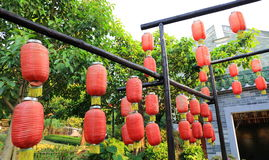 Dekoracyjni tradycyjnych chińskie lampiony, czerwoni Chińscy papierowi lampiony, rocznika wschodnio-azjatycki lampion Zdjęcia Royalty Free