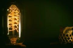 Dekoracyjny antykwarski rocznika Edison stylu drucika żarówek dowcip zdjęcie stock