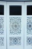 Dekoracyjny falcowania drzwi przy Puncak Alam meczetem przy Selangor, Malezja Obraz Royalty Free