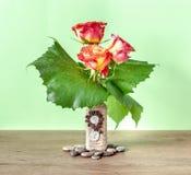 Dekoracyjny Kwiecisty skład z różami Obrazy Royalty Free