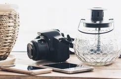 Dekoracyjny latarniowy lampowy przenośne urządzenie, smartphones i kamera, obraz royalty free