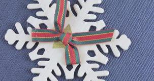 Dekoracyjny płatek śniegu z łękiem zbiory wideo