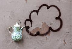 Dekoracyjny teapot na ścianie Zdjęcie Stock