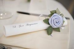 Dekoration auf einer Hochzeitstafel Stockfotografie