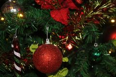 Dekoration der frohen Weihnachten und des Sylvesterabends Stockfotos