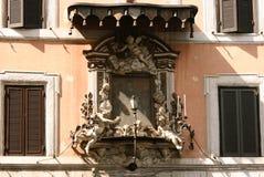 Dekoration des historischen Gebäudes, Rom lizenzfreies stockbild