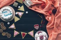 Dekoration und Bonbons für Geburtstagsfeier Lizenzfreie Stockbilder
