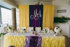 Dekoration von Tabellen an der Hochzeit Stockfoto