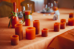 Dekoration von Tabellen an der Hochzeit Stockfotos