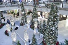 Dekoration von Weihnachten im Garten-Mall Stockbild