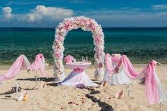 Dekorationen für Hochzeiten auf dem Ozean Stockfotos